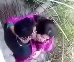 Regional Desi indian couple outdoor sex, outdoor sex couple, viral sex Desi indian couple doing sex convenient outdoor