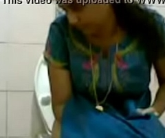 VID-20160514-PV0001-Pandharpur (IM) Hindi 34 yrs old beautiful, hot and sexy undefiled girl pissing in toilet sex porn video