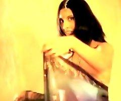 Bollywood Nude Kick off b lure
